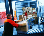 Fizyczna praca Holandia w Leeuwarden bez języka przy rozładunku towarów