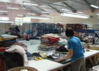 Sortowanie odzieży używanej – fizyczna praca Holandia, Oosterhout