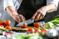 Oferta pracy w Holandii od zaraz bez języka dla pomocy kuchennej, Roosendaal (prawo jazdy)