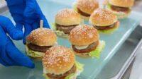 Dam pracę w Holandii od zaraz pakowanie art. typu fast food-hamburgery, kiełbaski w Alphen aan den Rijn