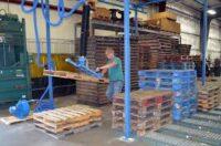Pracownik fizyczny praca w Holandii przy recyklingu palet, Tilburg